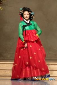wpid-dalshabetina.com-130925-dal-shabet-hanbok-fashion-show-2013-2.jpeg