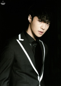 wpid-140622-lay-exo-new-picture-for-overdose-postcard-pop-up-store-scan-by-oliv_xoxo.jpeg